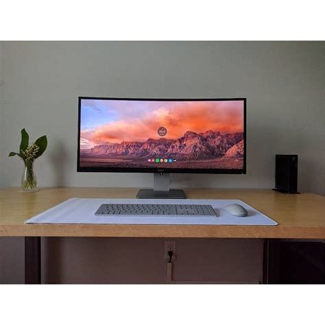 2,973 Likes, 10 Comments - Mal - PC Builds and Setups