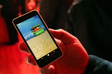 Hands-on with the Nokia Lumia 630, the first dual-SIM