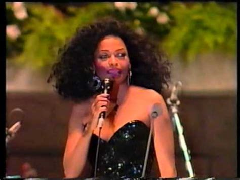 Ain't No Mountain High Enough -1996- Diana Ross live in
