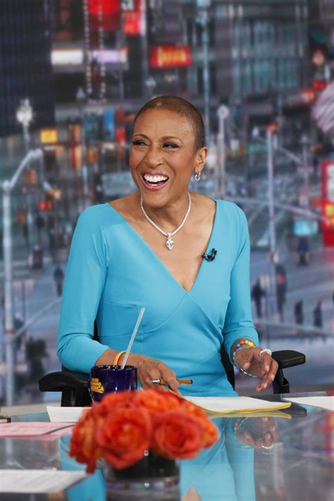 Robin Roberts returns to 'GMA'! After six month leave for