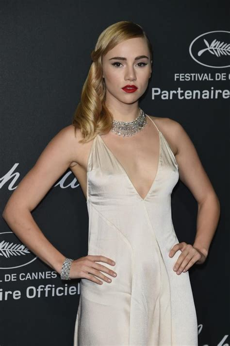 Suki Waterhouse lands role in 'Divergent' sequel - Daily Dish