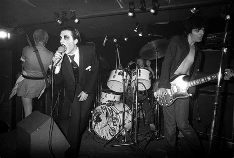 26 Pictures That Show Just How Hardcore '70s Punk Really Was