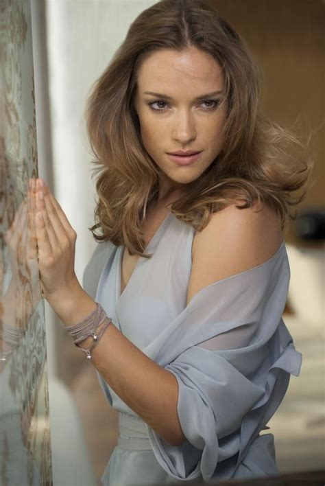 Scenic Alicja Bachleda Hot Looking New Wallpapers & Pics