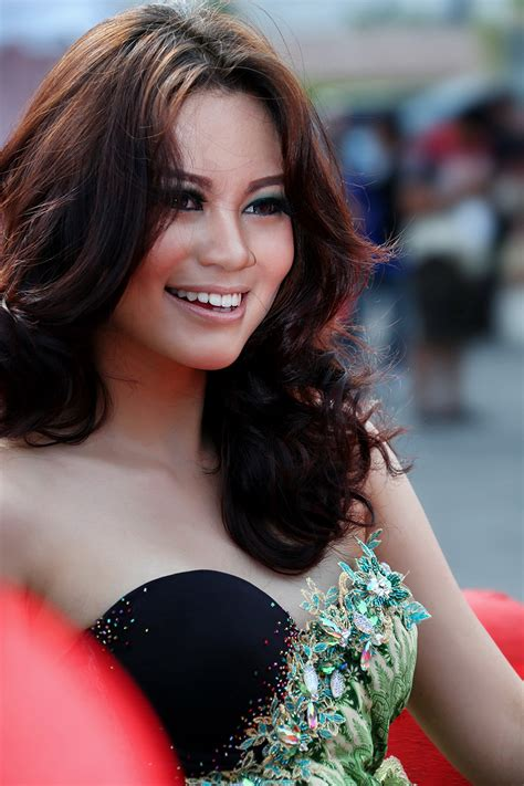 Yosy Zahra – Indonesia Top Models